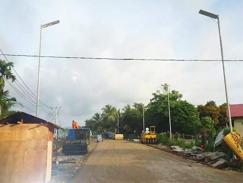 泰国一体化路灯案例